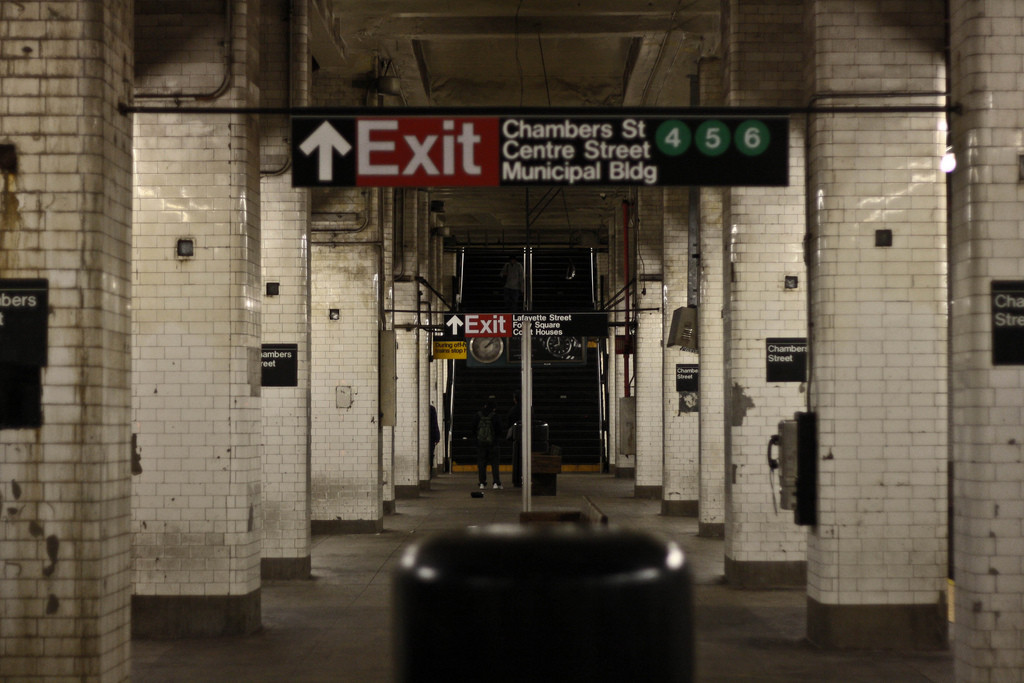 Creepy subway NYC stop by PaKino / Flickr