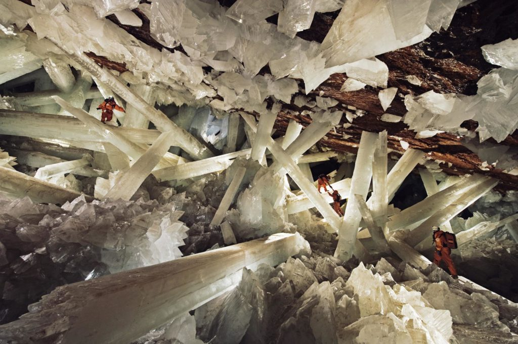 01_crystal_cave.adapt.1900.1